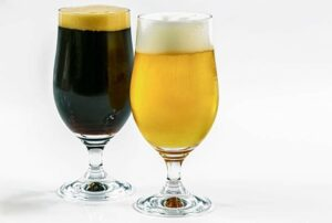 2 homebrew in glasses a stout and a blonde both brewed by the brew in a bag method